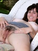 Cleo's hairy pussy outdoor
